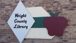 Wright County Library Logo